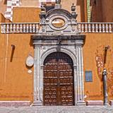 Puerta lateral del templo de San Francisco