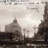 Monumento a Colón y Hotel Imperial en el Paseo de la Reforma