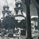 EXTERIOR DEL TEMPLO Circa 1930-1950