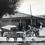 ESCENA COTIDIANA La Plaza circa 1930-1950