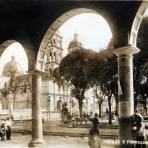 PARQUE Y PARROQUIA Circa 1930-1950