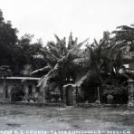 D Z COURTS EN Tamazunchale por el fotografo Hugo Brehme circa 1930