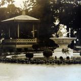 Plaza y Kiosko hacia 1930-1950