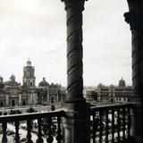 El Zocalo y Catedral hacia  1930-1950 - Ciudad de México, Distrito Federal