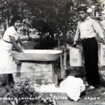 Tipos Mexicanos Lavandera Y Aguador circa 1930-1950
