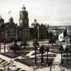 El  Zocalo y La  Catedral Alla por 1930-1950 - Ciudad de México, Distrito Federal