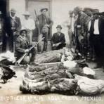 Cadaveres despues de una Batalla Durante la Revolucion Mexicana Alla por Abril de 1913 - Agua Prieta, Sonora