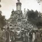 Monumento a Melchor Ocampo en algun Aniversario de este Personaje Circa 1900-1920