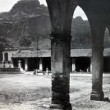Portales y La plaza Alla por 1930-1950