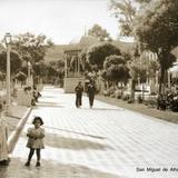 La Plaza Alla por 1930-1950 - Miguel Auza, Zacatecas