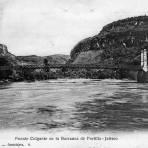 Puente colgante en la Barranca de Portillo