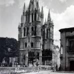Templo Parroquial ( 1930-1950 ) - San Miguel de Allende, Guanajuato