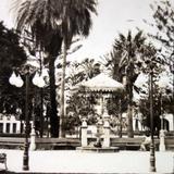 La Plaza y Kiosko. ( 1900-1930 )