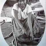 TIPOS MEXICANOS Una Moledora de Chiles ( 1900-1920 )