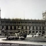 El Palacio Municipal Por el fotografo Hugo Brehme