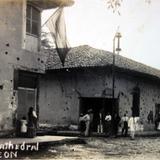Enfrente de Catedral al parecer en tiempos de la Revolucion Mexicana.