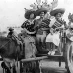 Turistas con burro y carreta
