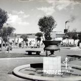 Jardin y Monumento A Morelos ( Fechada el dia 27 de Marzo de 1944 )