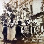 Carro alegorico de El Centro Mercantil con motivo de el Primer Centenario de la Independencia de Mexico 16 de Sep 1910.