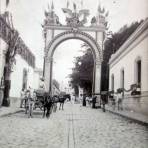 Arco triunfal de los Industriales al pueblo de Oaxaca