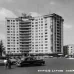 Edificio Latino Americana y Monumento a Colón