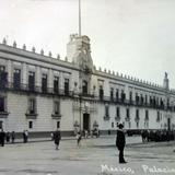 Palacio Nacional Desfile Septembrino en la Cd. de Mexico