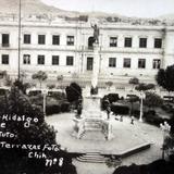 Plaza Hidalgo e Instituto Terrazas.