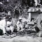 Tipos Mexicanos tomando un descanso ( Fechada el 31 de Marzo de 1937 )  NO PARA VENTA