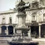 Monumento a La Corregidora Por el fotografo Hugo Brehme ( Fechada el 5 de Mayo de 1933 ).