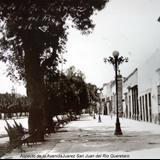 Aspecto de la Avenida Juarez San Juan del Rio Queretaro.