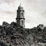 Iglesia sepultada parcialmente por el Volcan.