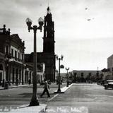 Otro aspecto de la  Avenida Mexico. - Tepic, Nayarit