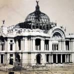 Palacio de Bellas Artes en construccion  ( Circulada el 22 de Diciembre de 1922 ).