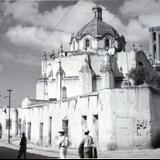 LUGAR DESCONOCIDO Una Iglesia.