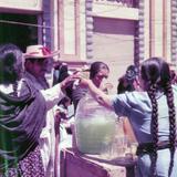 Vendedoras de aguas frescas Ciudad de Mexico  1956.