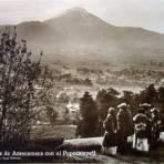 El Volcan Popocatepetl Por el fotografo Hugo Brehme. - Amecameca, México