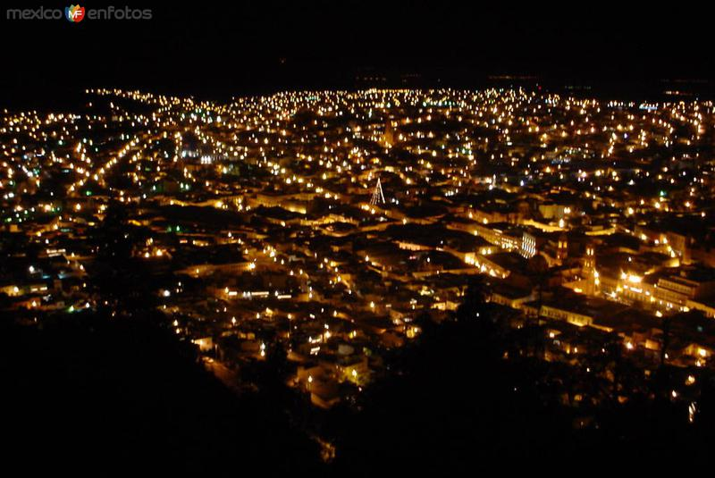 Vista nocturna de Zacatecas