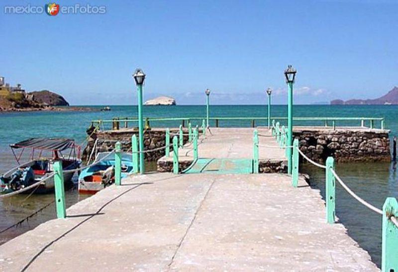 Muelle en la Bahía de Miramar