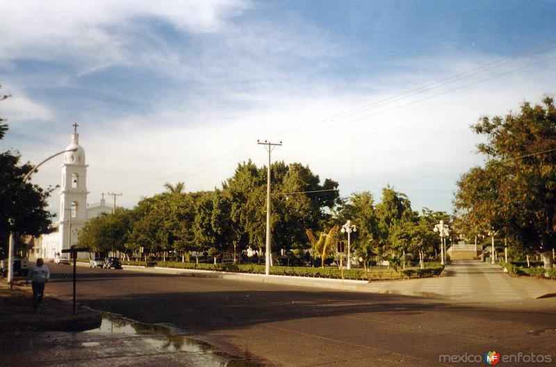 Plaza 27 de Septiembre y Templo del Sagrado Corazón