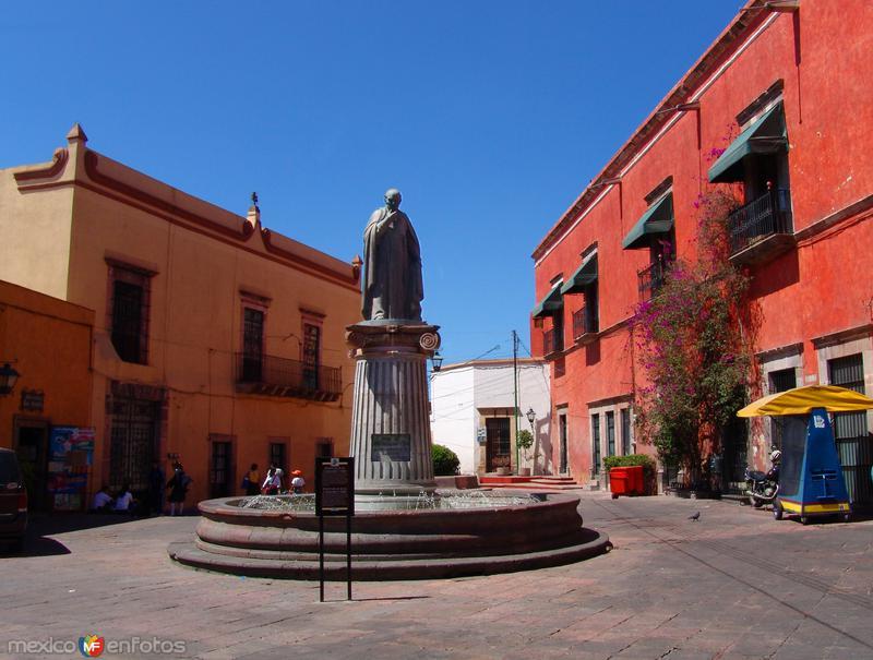 Plaza y fuente de Juan Caballero y Osío