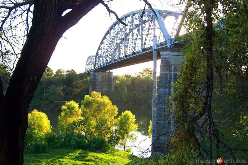 Puente Magiscatzin