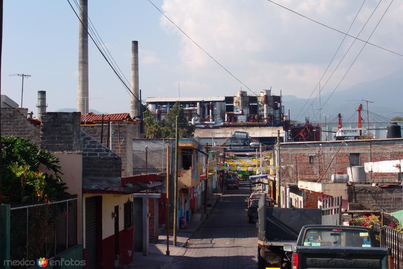 Calles de Quesería, al fondo el Ingenio