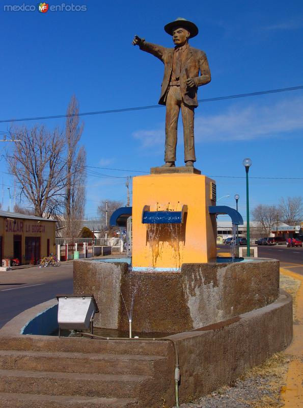 Alvaro Obregón: Monumento a Miguel Calderón