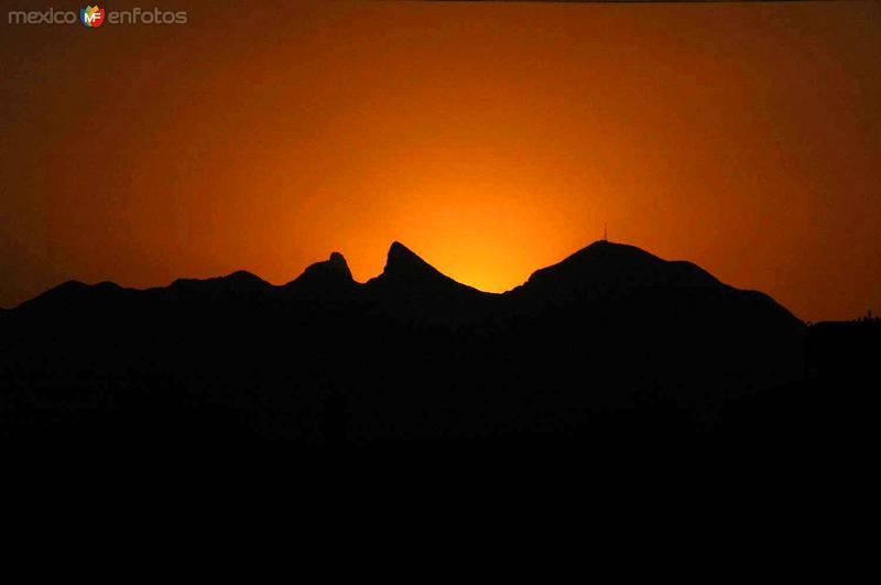 Vista del Cerro de la Silla al atardecer
