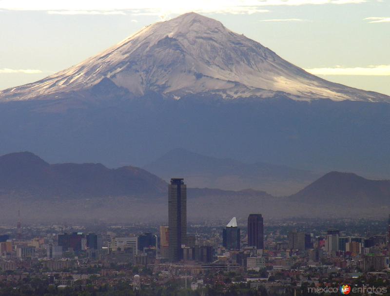 Vista del volcán Popocatépetl