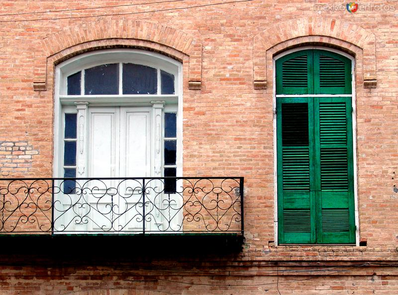 Balcón y ventana