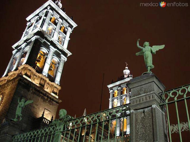 Catedral, Campanario y ángel