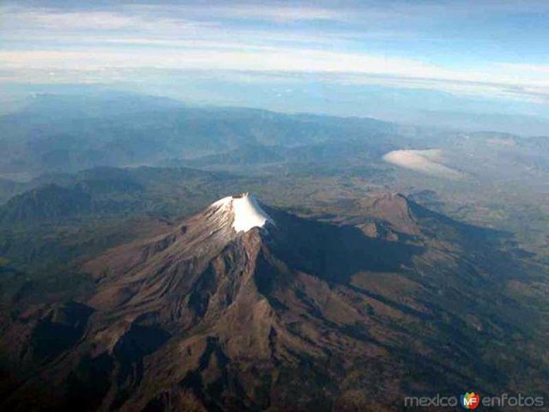 Vista aérea sobre el Pico de Orizaba