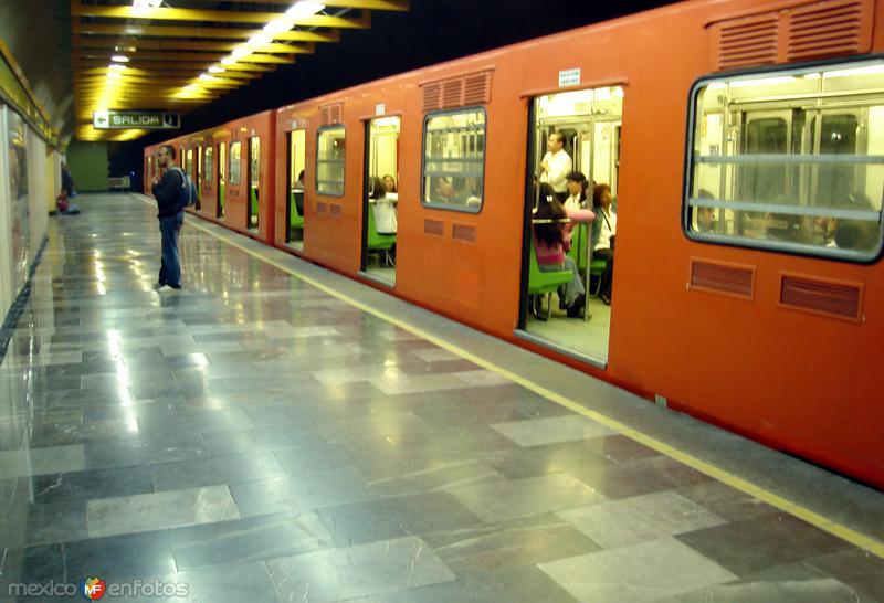 Sistema de transporte Metro