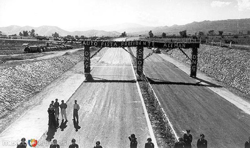 Inauguración de Autopista Presidente Alemán